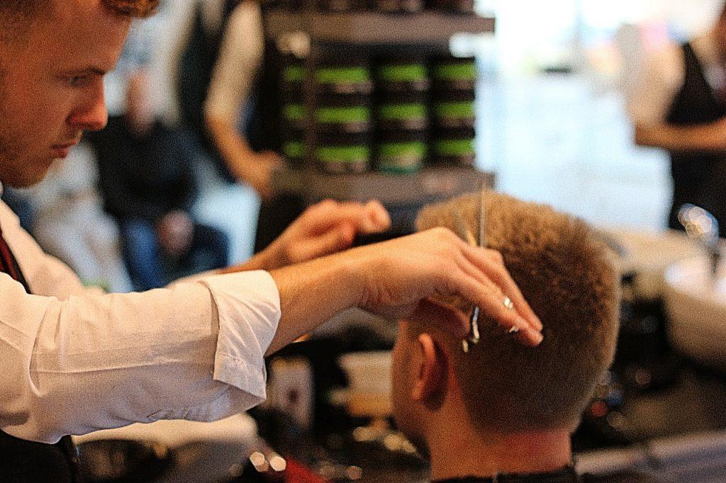 Styling gents hair cut